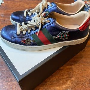 Gucci sneakers with rhinestone.